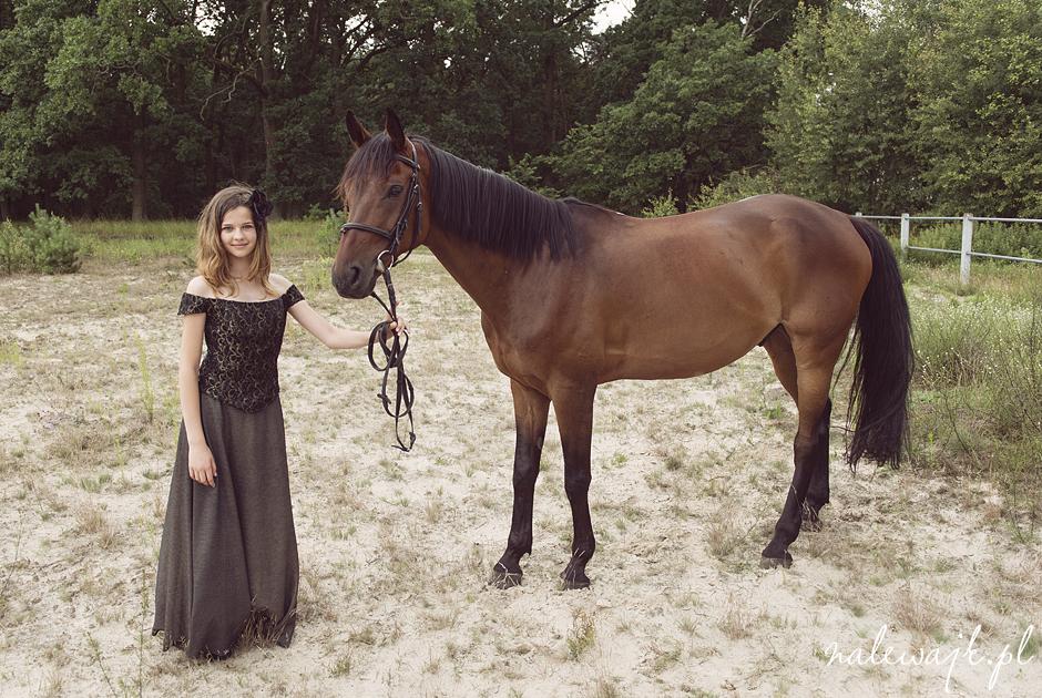 Sesja dziecięca na koniu | Sesja rodzinna w plenerze | Zdjęcia koni