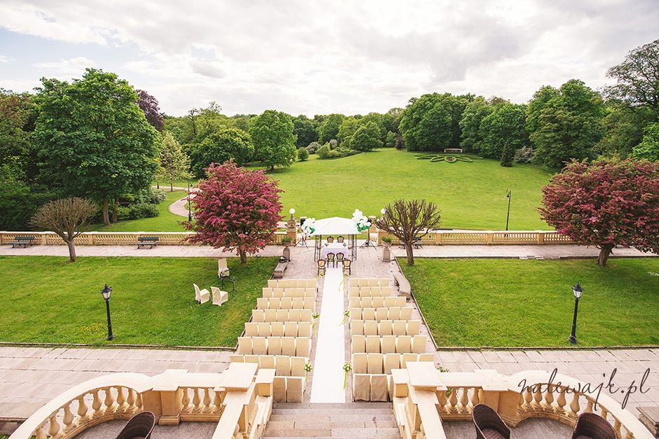 Ślub i wesele w plenerze w pałacu w Ostromecku | Fotografia ślubna Bydgoszcz | Lokale weselne