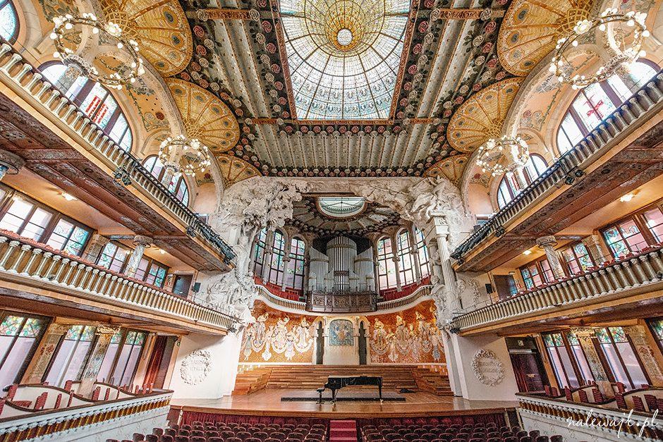 Sesje fotograficzne wyjątkowych wnętrz: teatry, filharmonie, sale koncertowe, obiekty sakralne i sportowe