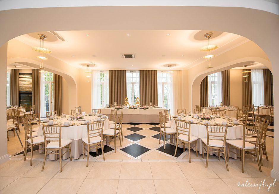 Pałac Suchary | Ślub cywilny w plenerze | Ślub kościelny w kapliczce | Wesele w pałacu lub w oranżerii