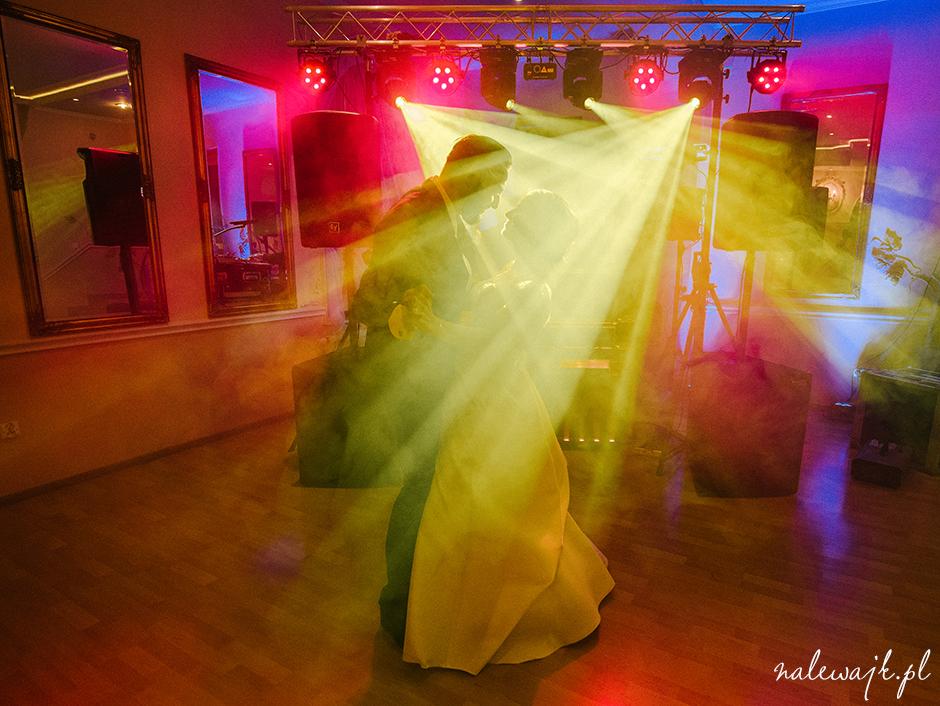 DJ wodzirej na wesele Bydgoszcz | dobrze dobrana muzyka | nastrojowe światło | klimat weselny
