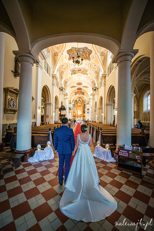 Sesja ślubna | Kościół pw. Świętej Trójcy w Bydgoszczy | Fotograf ślubny Bydgoszcz