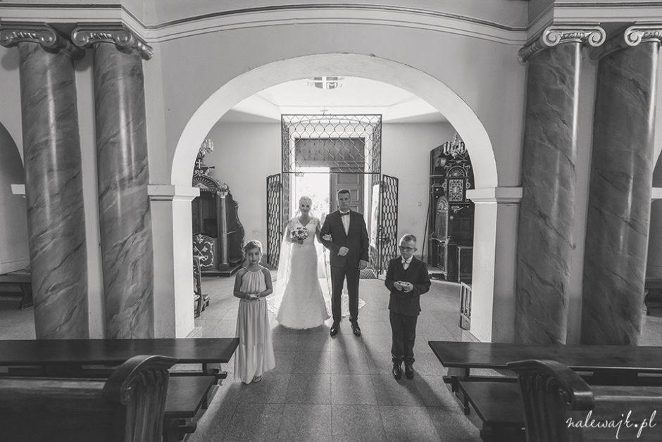 Uroczystość ślubu w kościele pw. św. Mikołaja | Fotograf ślubny | Fotografia ślubna
